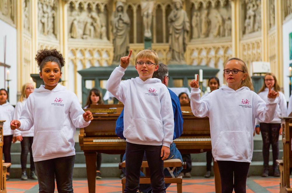 Auftritt für die Jüngsten: der Kinder- und Jugendchor